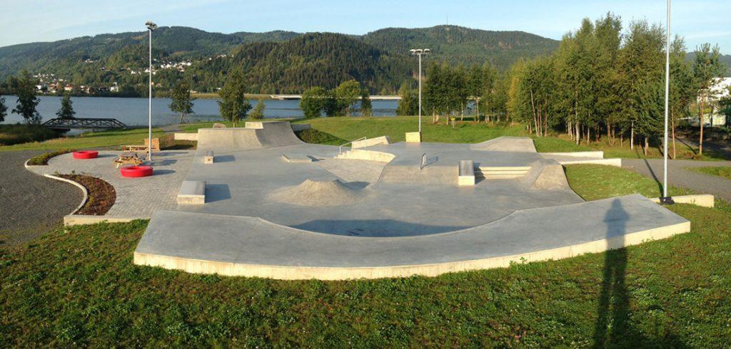 concrete-skatepark-in-lillehammer-norway,eeeec,bbea,fef