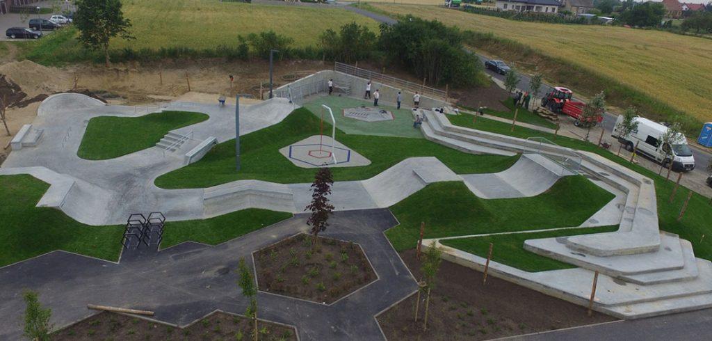 concrete-skatepark-in-swiecie-poland,eedhc,bbea,fef